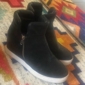 Size 10 Steve Madden black wedge booties